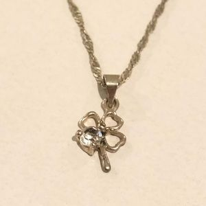 Detailed silver clover necklace